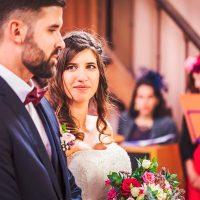 Regard de la mariée à l'église de Spoy