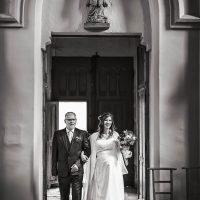 Entrée de la mariée à l'église de Spoy