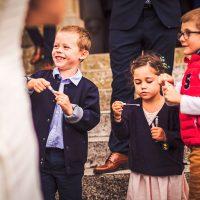 Enfants, après la cérémonie de mariage