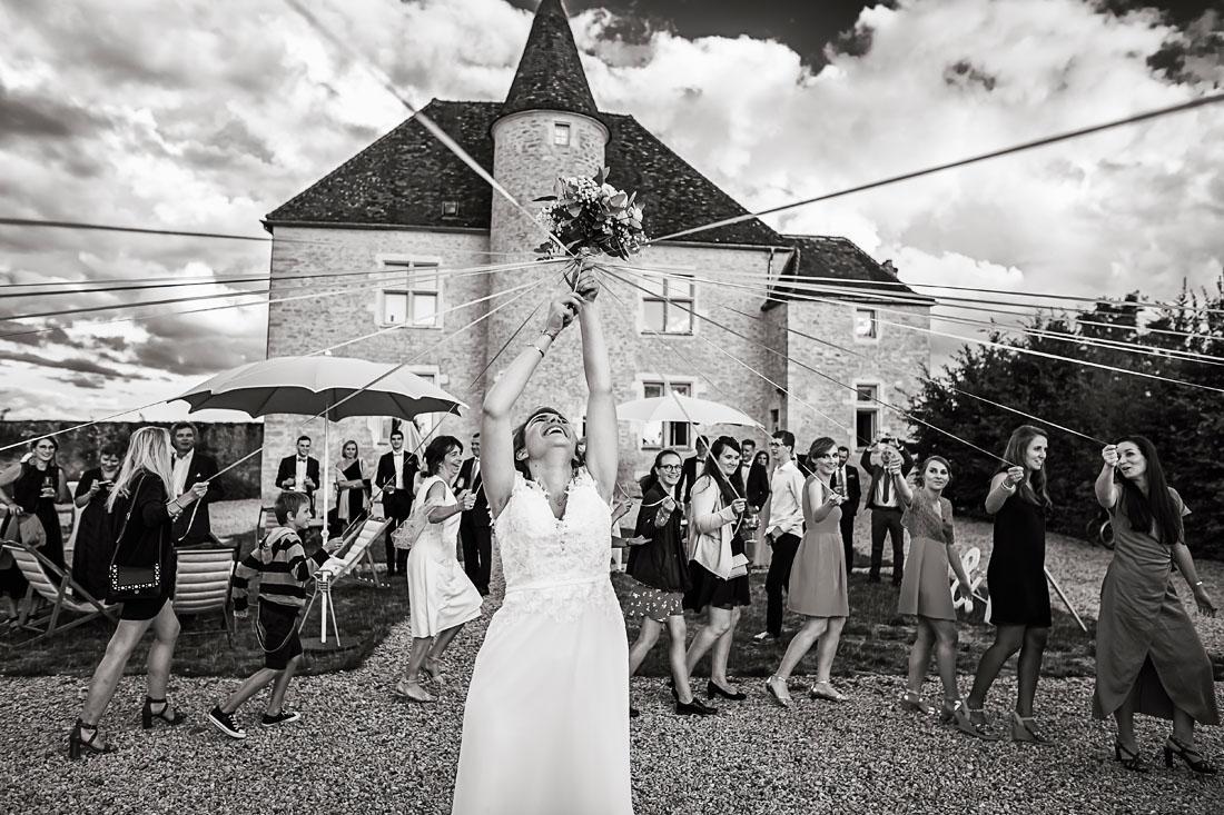 Jeu du ruban pour un mariage en Bourgogne